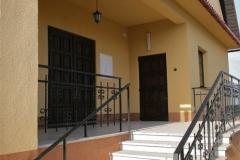 Główne wejście do kaplicy.