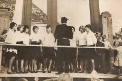Chór Związku Młodzieży Wiejskiej na uroczystości przekazania remizy OSP w 1966 r.